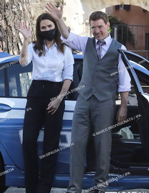 Tom Cruise and Hayley Atwell filming the new Mission Impossible movie on the streets of Rome