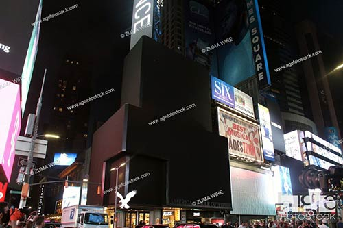 For the first time of its history, Times Square went dark for one minute to pay tribute to the front lines during the pandemic