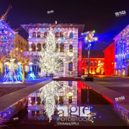 Grimoldi Square in Christmas time, Como, Lombardy, Italy.