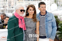 Pedro Almodóvar, Penélope Cruz and Antonio Banderas, at the Dolor y gloria photocall during the 72nd Cannes Film Festival